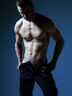 Michael Fassbender desnudo, todo magnetismo y toma de tierra
