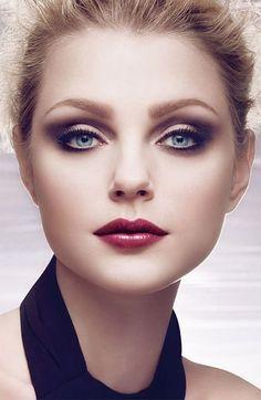 Makeup: Fall makeup.
