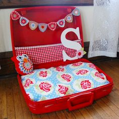 DIY tutorial for dog bed - so cute, my dog would love this, but not as girly! diy dog clothes, cute dog diy, dog cat, cat beds diy, dog beds, suitcas, clothes for my dog