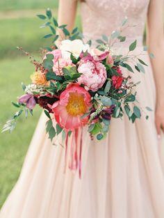 color bouquet, bridal bouquet