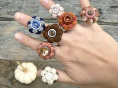 crochet flowers, diamond rings, accessori, button, crochet ring, homemade xmas gifts, sweet gifts, christmas ideas, crochet jewleri