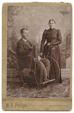 Disabled Civil War veteran Elijah N. Parkhurst and wife Elizabeth Grant Rairdon Parkhurst. #Victorian #couple #1800s #portrait #cabinet_card