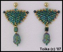 Beaded Triangle Earrings Pattern 1 by Toika Bridges at Bead-Patterns.com