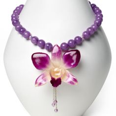 """A blooming delicacy"" necklace by Jenny Ross for Bead Style magazine — downloadable project. BeadStyleMag.com"