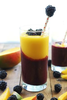 Mango Blackberry Smoothie by cremedelacrumb #Smoothie #Mango #Blackberry #Healthy