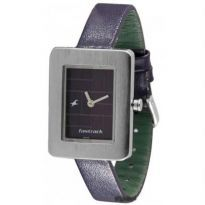 Buy unisex #watches online at best price in India. Variety of branded #unisexwatches are available at Rediff Shopping.