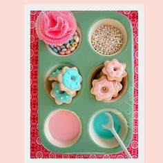 cute idea to display toppings.