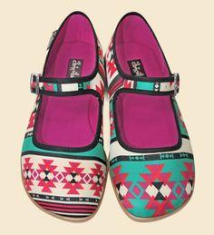chocolaticas!! tribal desing! comfortable shoe