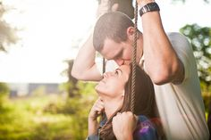 engagement photo...cute idea