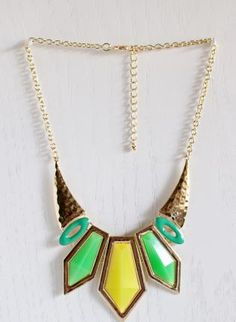 Green Statement - Tribal Chic Necklace in Neon