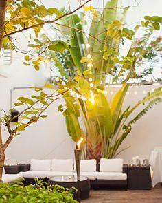 romantic settings, cocktail hour, outdoor parties, garden, courtyard, cocktails, light, outdoor weddings, destination weddings