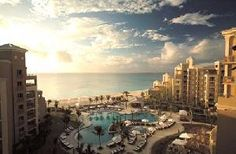Grand Cayman, Ritz Carlton
