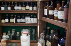 Do You Know How to Avoid Antibiotics? Natural Health and Home Remedies Resources - Gotta get my home pharmacy stocked up!!