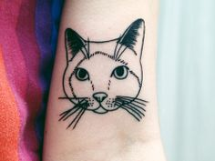 Cattoo! Cat tattoo! I love this for another thigh piece