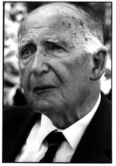 On August 31, 1913, English physicist and radio astronomer Sir Bernard Lovell was born. He was a pioneer in radar and radio telescopes and especially renowned for creating the Jodrell Bank radio telescope, the only antenna that could track rockets in space in the early years of the space race between the United States and the Soviet Union.