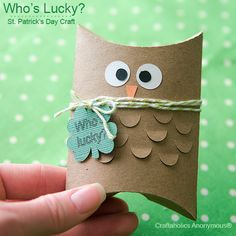 "St. Patrick's Day owl pillow box. ""Who's cute?"" Cute little gift idea."