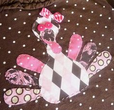 Give your fall throw quilt a face lift with the Girly Turkey Applique! Put this little applique on a girl's t-shirt, a bedroom throw, or any other project. It's never to early to start decorating!