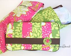 Easy diaper and wipes case