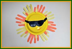 Catch some rays of sunshine, indoors! www.easy-crafts-for-kids.com/free-summer-crafts.html