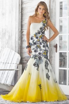 i looooove the flowers!!!  WHERE WAS THIS WHEN I WENT TO PROM?!