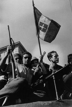 Italian partisans enter Palermo, Sicily - Italy 1943