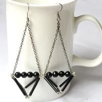 Make Triangle Dangle Earring with Black Beads Instruction with Picture