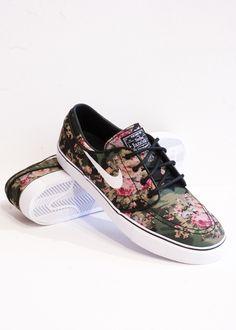 skate shoes, floral prints, fashion chic, floral nike, boat shoes, shoe art, nike shoes, nike sneakers, nike janoski