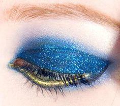 Glitter Cat Eye: makeup tutorial