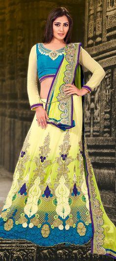 132675: RIMI SEN models lehenga #Bollywood #Bridalwear