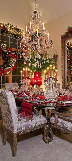 Spallina Interiors Christmas Decor ~ this is an beautiful table setting ~ how exciting to be a guest!