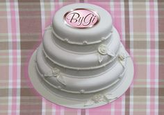 Geziela Cristina ensina como fazer um lindo bolo fake de isopor, ateliê ...