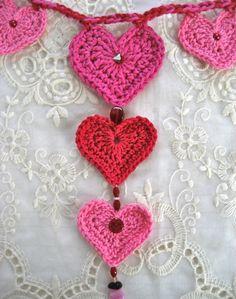 Valentine's Day – Crochet Heart Garland #hearts #valentines #love #crochet hearts craft, valentine day, heartgarland, crochet valentin, crochetheart, crochet hearts, knit, garlands, heart garland
