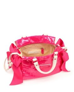 Juicy Couture purse.....I NEED this!!!!