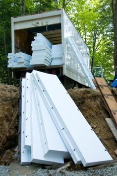 How to Make a Cornice Board Valance From Foam Insulation