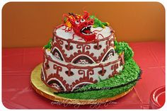 dragon cake! (Hint hint bff who follows me on Pinterest - I don't know about all the decor on this cake but a Chinese dragon and lion (leo) on a cake would make for an awesome birthday cake this year!