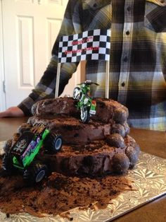 Dirt bike/monster truck cake