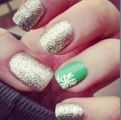 holiday nails, christmas nails, nail arts, red nails, glitter nails, winter nails, christmas nail art, green nails, snowflak