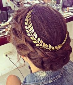 obsessing over this chic hair accessory