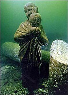 Sunken city - Alexandria. Scuba diving