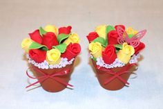 How to make a flower pot cupcake {Cake Journal} - great for mother's day, easter, or spring - tutorial for fondant roses as well