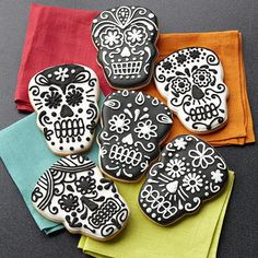 Celebrate the departed with these lively Day of the Dead Skull cookies! Wilton's skull Comfort Grip Cookie Cutter creates the traditional shape and the black and white designs feature combinations of easy techniques for an unforgettable look. mexican skulls, white design, sugar skull, skull cooki, dead skull, halloween foods, cookie cutters, cookies, black