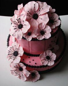 Pink Poppy cake