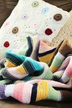 stitch and pattern: Knitting Love.... #crochet #square #cushion #pillow