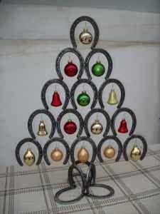 Horseshoe Christmas Tree craft, idea, art, christma tree, decorating horseshoes, hors shoe, christmas trees, horseshoe decor, horsesho christma