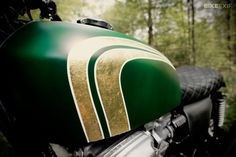 Honda CB750 K7 by 4h10   matte green and gold leaf tank detail