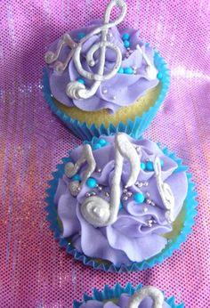 #music cupcakes    Share    http://needanappmade.com/RihannaDiamonds/