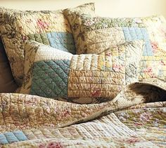 Fall Patchwork Quilt #quilts #bedrooms