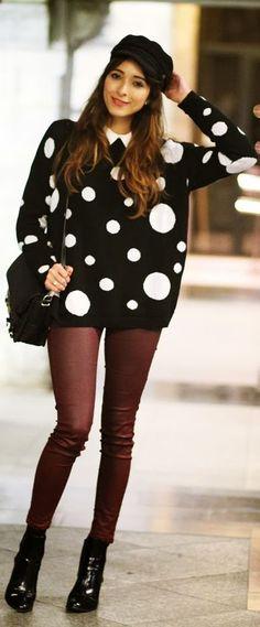 Zapatos de charol Azul y Beige 36.25€ Pantalón negro y chocolate 19,95€ Suéter 20,50€