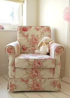 Rosie Posey Chair