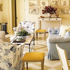 love the blue print on chair with yellow accents #livingroom #design #interiordesign #seating #classic #semiformal